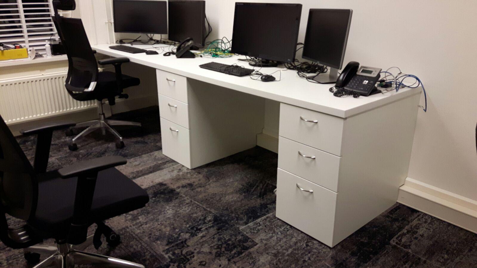 Maatwerk bureau 3 persoons en 2 persoons nits design for Bureau 2 meter